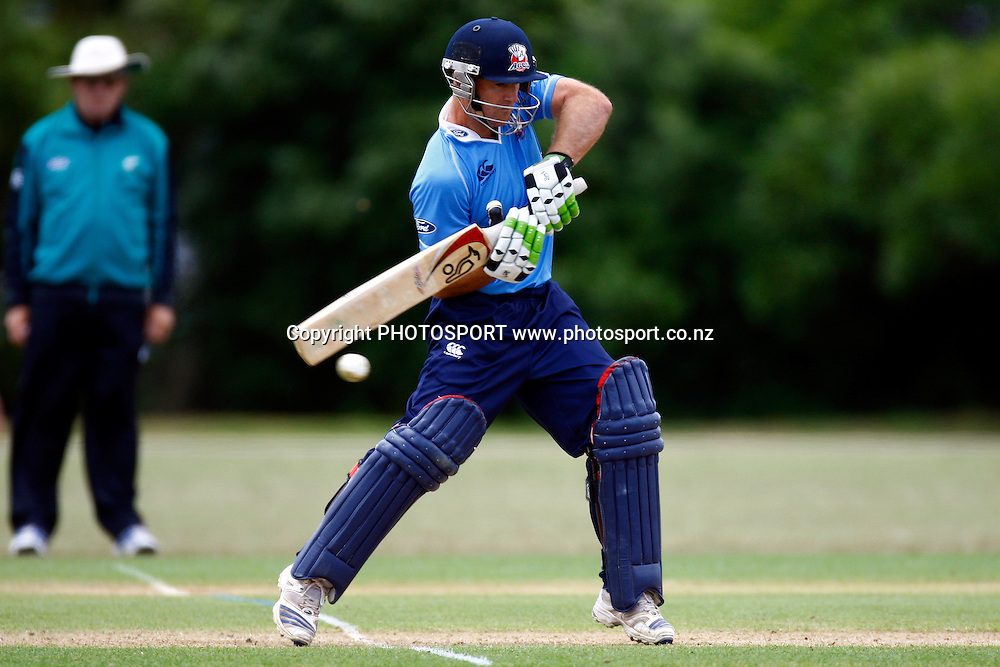 Gareth Hopkins in action, Domestic 1 Day Cricket, Auckland Aces v Otago Volts, Colin Maiden Park, Auckland. 17 December 2009. Photo: William Booth/PHOTOSPORT
