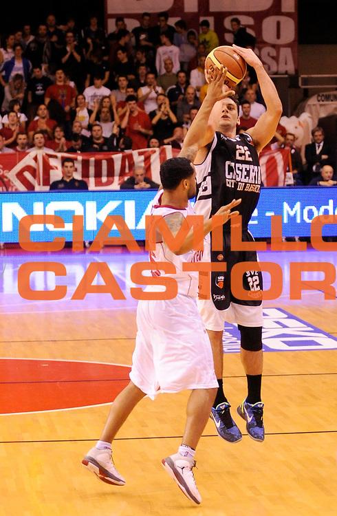 DESCRIZIONE : Reggio Emilia Lega A 2012-13 Trenkwalder Reggio Emilia Juvecaserta <br /> GIOCATORE : Stefano Gentile<br /> SQUADRA :  Juvecaserta <br /> EVENTO : Campionato Lega A 2012-2013<br /> GARA :  Trenkwalder Reggio Emilia Juvecaserta <br /> DATA : 13/01/2013<br /> CATEGORIA : Tiro Three Points<br /> SPORT : Pallacanestro<br /> AUTORE : Agenzia Ciamillo-Castoria/A.Giberti<br /> Galleria : Lega Basket A 2012-2013<br /> Fotonotizia : Reggio Emilia Lega A 2012-13 Trenkwalder Reggio Emilia Juvecaserta <br /> Predefinita :