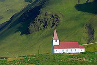 Islande. Eglise de Vik. // Iceland. Vik church.
