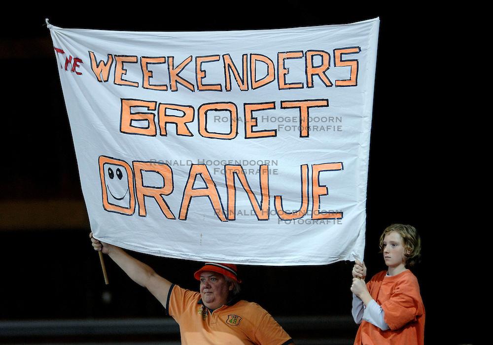 10-11-2007 VOLLEYBAL: PRE OKT: NEDERLAND - OEKRAINE: EINDHOVEN<br /> Nederland wint ook de 3de wedstrijd met 3-0 van Oekraine en plaatst zich voor het OKT in Duitsland begin januari / Publiek oranje support toeschouwers<br /> &copy;2007-WWW.FOTOHOOGENDOORN.NL