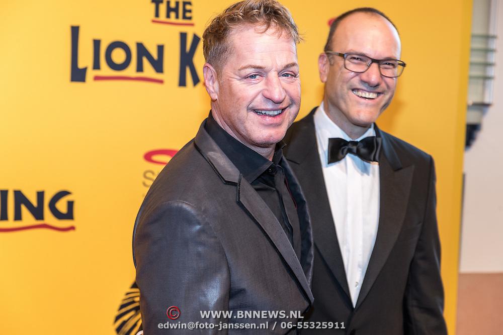 NLD/Scheveningen/20161030 - Premiere musical The Lion King, Tony Neef en partner Benny Mizrahi