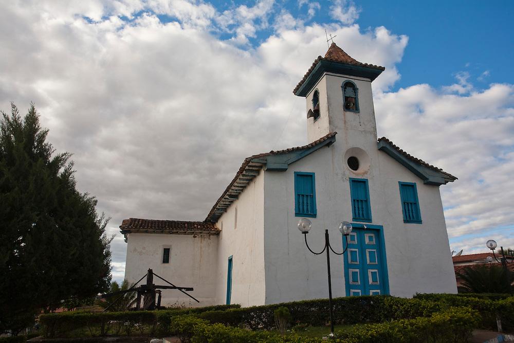 Chapada do Norte_MG, Brasil...Igreja Matriz de Chapada do Norte, Minas Gerais...Mother church in Chapada do Norte, Minas Gerais...Foto: LEO DRUMOND / NITRO
