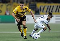 Fotball<br /> Play Off UEFA Champions League<br /> 17.08.2010<br /> Foto: EQ Images/Digitalsport<br /> NORWAY ONLY<br /> <br /> Young Boys Bern v Tottenham<br /> <br /> YBs David Degen gegen Tottenhams Benoit Assou-Ekotto