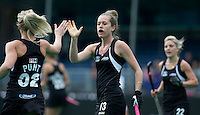 BRASSCHAAT (ANTWERP) - Anita Punt  (l) scores for New Zealand during the Fintro Hockey World League Semi-Final match between the women of New Zealand and Poland. middle Samantha Charlton .COPYRIGHT WORLDSPORTPICS KOEN SUYK