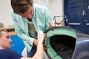 In Delft zijn de studenten bezig met de productie van de VeloX V. In september wil het Human Power Team Delft en Amsterdam, dat bestaat uit studenten van de TU Delft en de VU Amsterdam, een poging doen het wereldrecord snelfietsen te verbreken, dat nu op 133,8 km/h staat tijdens de World Human Powered Speed Challenge.<br /> <br /> In Delft the students are working on the VeloX V. With the special recumbent bike the Human Power Team Delft and Amsterdam, consisting of students of the TU Delft and the VU Amsterdam, also wants to set a new world record cycling in September at the World Human Powered Speed Challenge. The current speed record is 133,8 km/h.