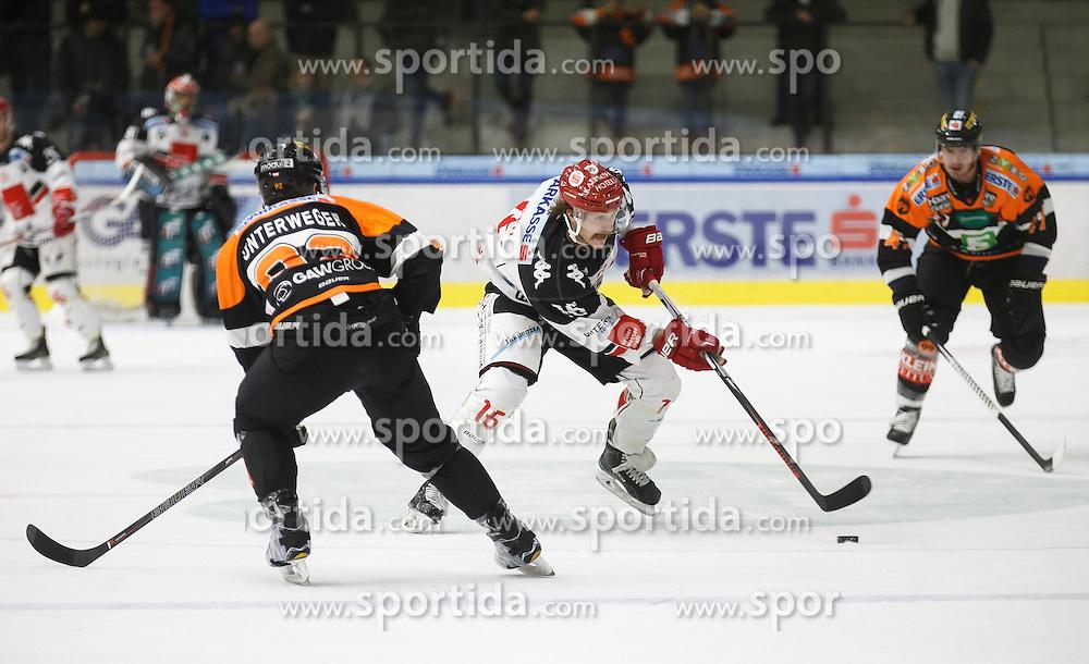 02.12.2016, Merkur Eisarena, Graz, AUT, EBEL, Moser Medical Graz 99ers vs HC TWK Innsbruck Die Haie, 25. Runde, im Bild Clemens Unterweger (#92, Moser Medical Graz 99ers), Austin Smith (#16, HC TWK Innsbruck) und Evan Brophey (#47, Moser Medical Graz 99ers) // during the Erste Bank Icehockey League 25th Round match between Moser Medical Graz 99ers and HC TWK Innsbruck at the Merkur Ice Arena, Graz, Austria on 2016/12/02, EXPA Pictures © 2016, PhotoCredit: EXPA/ Erwin Scheriau