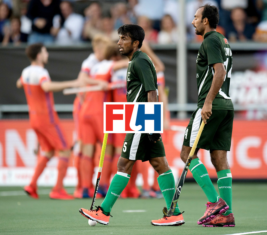 BREDA - Rabobank Hockey Champions Trophy<br /> The Netherlands - Pakistan<br /> Photo: ARSHAD Toseeq and Umar Bhutta.<br /> COPYRIGHT WORLDSPORTPICS FRANK UIJLENBROEK
