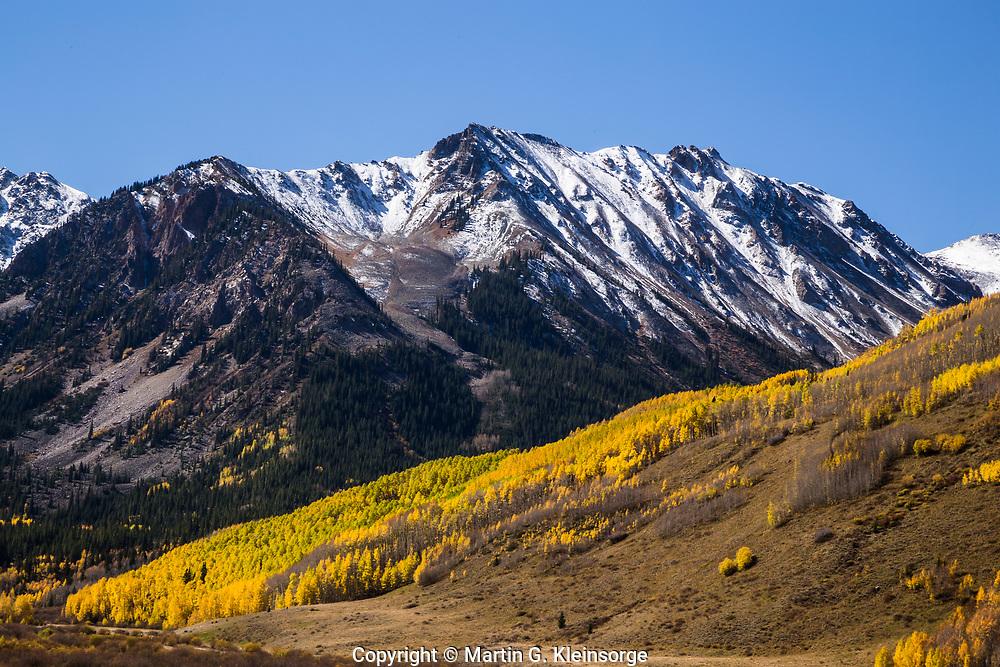 Autumn season in the Elk Mountains, south of Aspen, Colorado.
