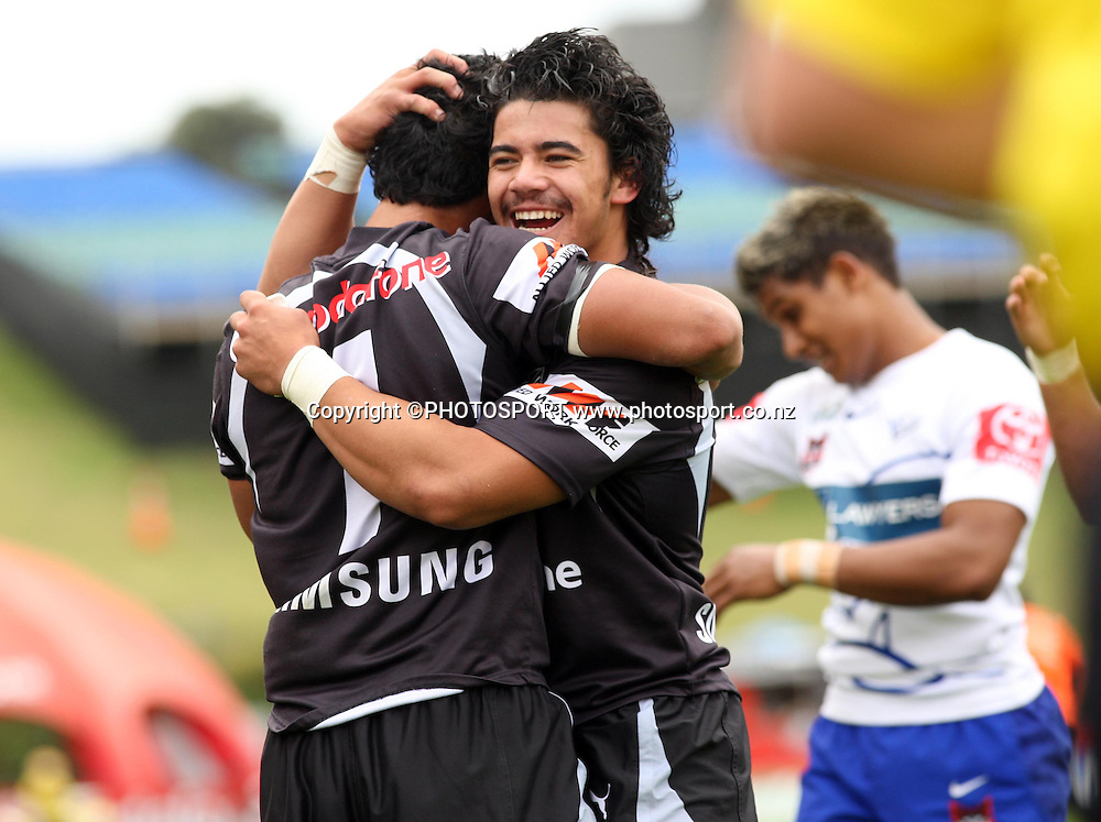 Warriors try scorer Jody Henry is congratulated by team mate Nafe Seluini. Toyota Cup, Under 20 NYC, Vodafone Warriors v Bulldgos, Mt Smart Stadium, Auckland, Sunday 13 April 2008. Photo: Andrew Cornaga/PHOTOSPORT