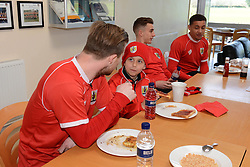 Connor has breakfast with the players - Photo mandatory by-line: Dougie Allward/JMP - Mobile: 07966 386802 - 01/04/2015 - SPORT - Football - Bristol - Bristol City Training Ground - HR Owen and SAM FM