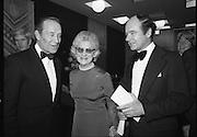 Bank of Ireland GAA Allstars.    (N5)..1979..07.12.1979..12.07.1979..7th December 1979..The 1979 Bank of Ireland GAA Allstars received their trophies from An Taoiseach, Mr Jack Lynch TD,at a banquet in Jury's Hotel,Dublin.