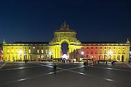 Portugal. multicolor lighting on Praca do commercio. / eclairage multicolore . Lisbonne place du commerce