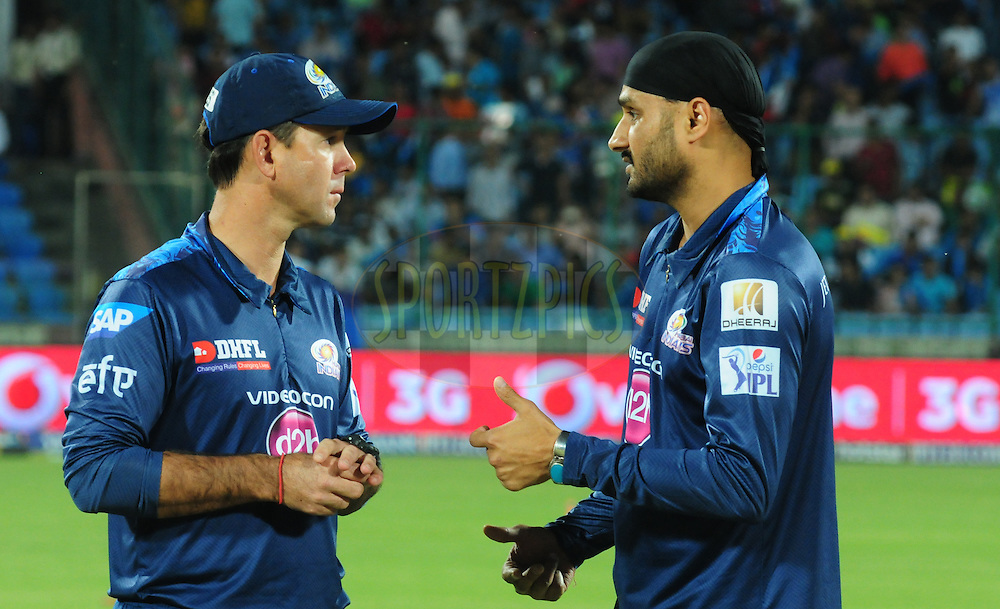 Harbhajan Singh of the Mumbai Indians with Ricky ponting during match 21 of the Pepsi IPL 2015 (Indian Premier League) between The Delhi Daredevils and The Mumbai Indians held at the Ferozeshah Kotla stadium in Delhi, India on the 23rd April 2015.<br /> <br /> Photo by:  Arjun Panwar / SPORTZPICS / IPL