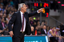 28.03.2016, Telekom Dome, Bonn, GER, Beko Basketball BL, Telekom Baskets Bonn vs FC Bayern Muenchen, 23. Runde, im Bild Trainer Svetislav Pesic (FC Bayern Muenchen) gibt Anweisungen // during the Beko Basketball Bundes league 23th round match between Telekom Baskets Bonn and FC Bayern Munich at the Telekom Dome in Bonn, Germany on 2016/03/28. EXPA Pictures © 2016, PhotoCredit: EXPA/ Eibner-Pressefoto/ Schüler<br /> <br /> *****ATTENTION - OUT of GER*****