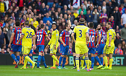 18.10.2014, Selhurst Park Stadium, London, ENG, Premier League, FC Crystal Palace vs FC Chelsea, 8. Runde, im Bild Crystal Palace's Damien Delaney is shown a red card and sent off during the Premier League match against Chelsea at Sehlhurst Park. (Pic by David Rawcliffe/Propaganda) // 15054000 during the English Premier League 8th round match between Crystal Palace FC and Chelsea FC at the Selhurst Park Stadium in London, Great Britain on 2014/10/18. EXPA Pictures &copy; 2014, PhotoCredit: EXPA/ Propagandaphoto/ David Rawcliffe<br /> <br /> *****ATTENTION - OUT of ENG, GBR*****