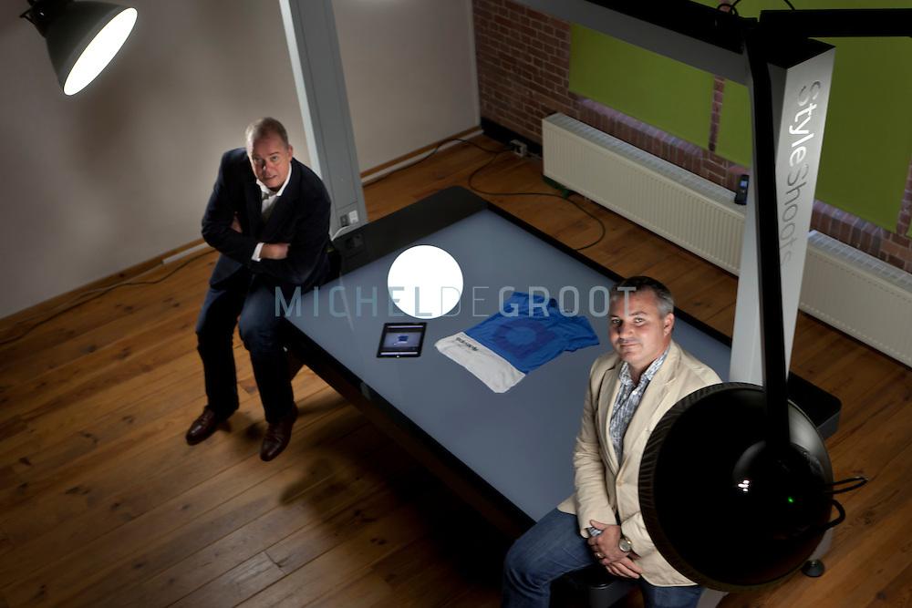 Marcel Theunissen en Bartel Huibrechtsen, directeurs van iShopShape en de ontwikkelaars van de StyleShoot fotostudio.