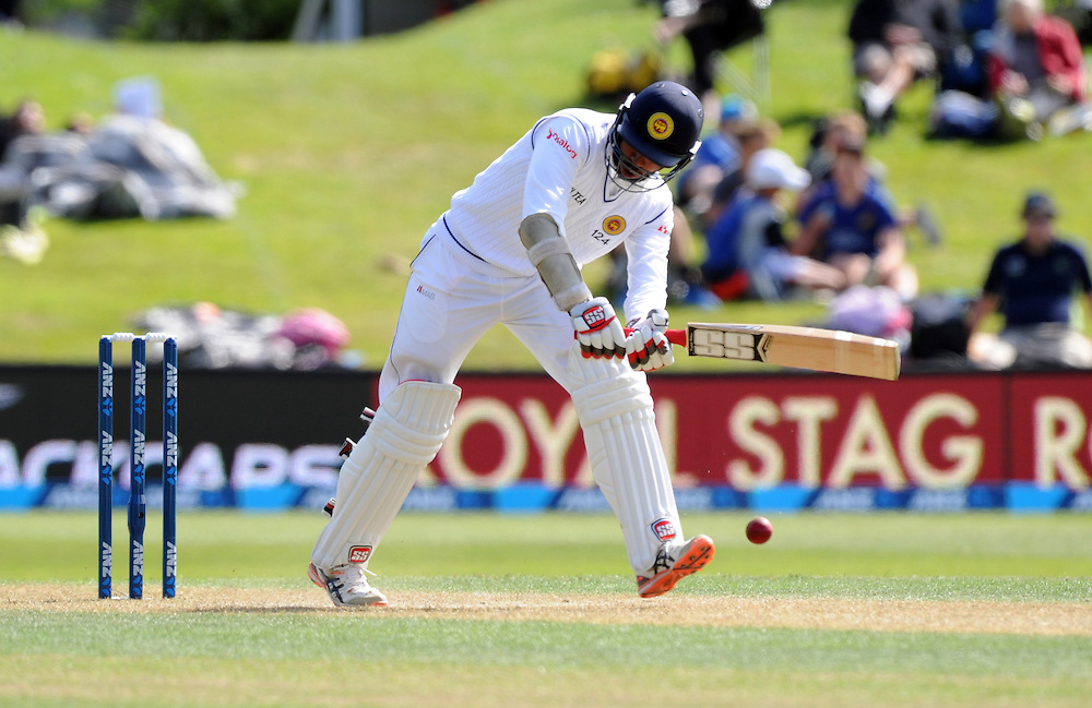 Sri Lanka's Kithuruwan Vithanage plays defensively against New Zealand on day two of the first International Cricket Test, University Cricket Oval, Dunedin, New Zealand, Friday, December 11, 2015. Credit:SNPA / Ross Setford