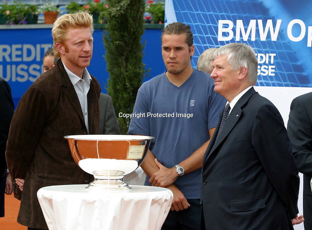 Sport,Tennis,ATP Tour,BMW Open Auslosung beim MPTC Iphitos in Muenchen, Innenminister Otto Schily,Tommy Haas und Boris Becker,28.04.2002<br />Foto:Juergen Hasenkopf
