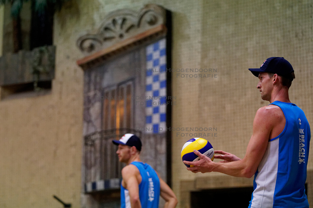 04-01-2020 NED: NK Beach volleyball Indoor, Aalsmeer<br /> Robert Meeuwsen #2