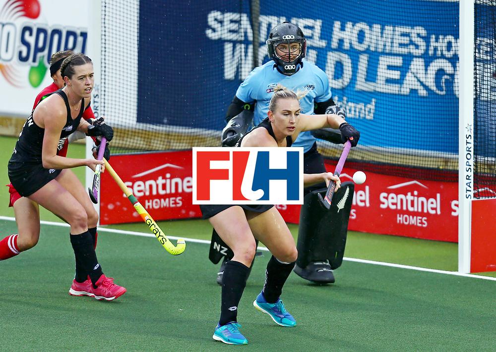 New Zealand, Auckland - 18/11/17  <br /> Sentinel Homes Women&rsquo;s Hockey World League Final<br /> Harbour Hockey Stadium<br /> Copyrigth: Worldsportpics, Rodrigo Jaramillo<br /> Match ID: 10295 - NZL vs KOR<br /> Photo: (16) THOMPSON Liz, (8) RUTHERFORD Sally&nbsp;(GK)