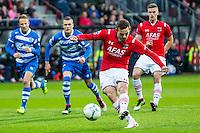 ALKMAAR - 16-04-2016, AZ - PEC Zwolle, AFAS Stadion, AZ speler Vincent Janssen scoort hier uit een penalty de 1-0, doelpunt.