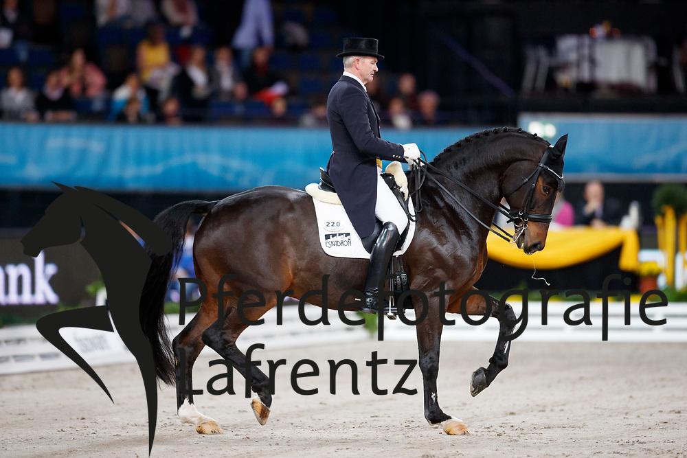 Schmidt, Hubertus (GER) Stern<br /> Stuttgart - German Masters 2016<br /> © www.sportfotos-lafrentz.de