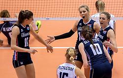 20-05-2016 JAP: OKT Italie - Nederland, Tokio<br /> De Nederlandse volleybalsters hebben een klinkende 3-0 overwinning geboekt op Italië, dat bij het OKT in Japan nog ongeslagen was. Het met veel zelfvertrouwen spelende Oranje zegevierde met 25-21, 25-21 en 25-14 / Anne Buijs #11, Laura Dijkema #14, Quinta Steenbergen #7