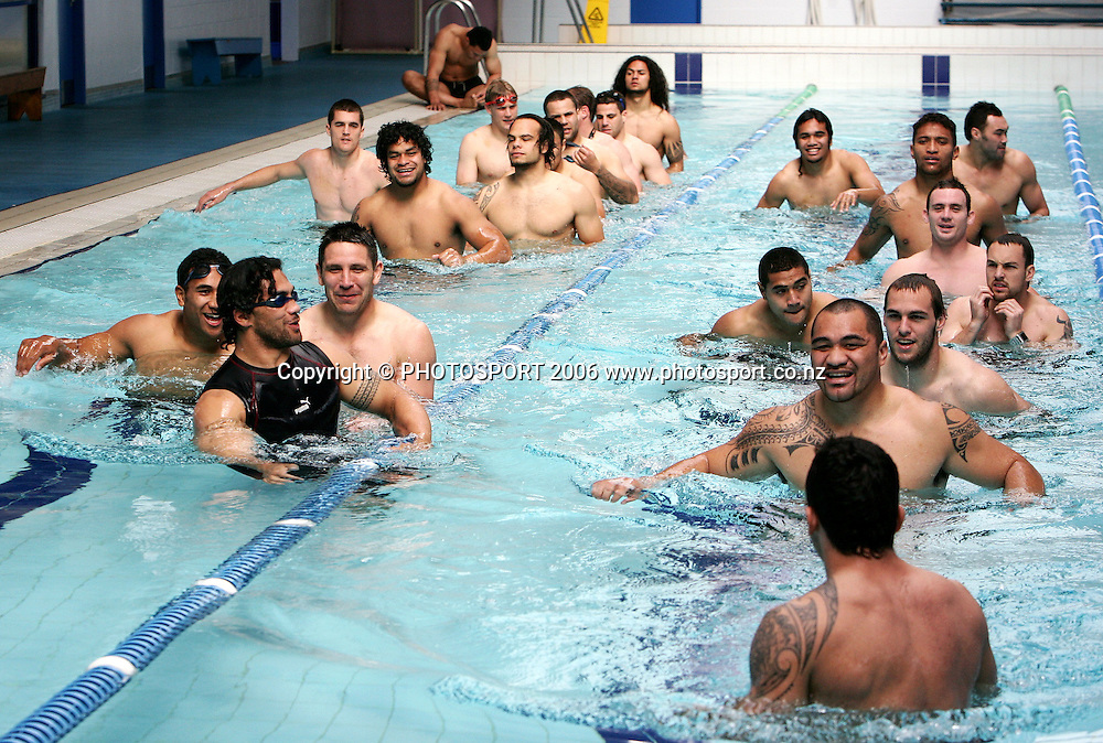 The Warriors squad warm up during the Warriors pool and media session held at Lincoln Fitness and Leisure centre, in Auckland, New Zealand on Thursday 24 August, 2006. Photo: Tim Hales/PHOTOSPORT