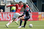 ALKMAAR - 23-08-15, AZ - Willem II, AFAS Stadion, AZ speler Vincent Janssen (l),Willem II Speler Funso Ojo.