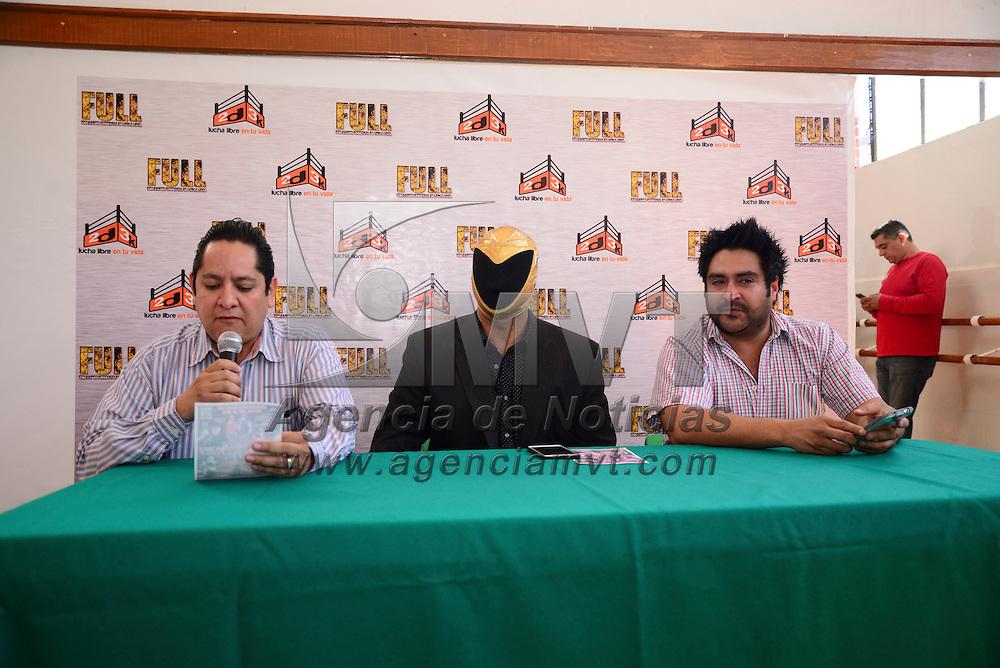 Toluca, México.- El luchador profesional Tinieblas Jr. Presidente de FULL y Pedro Castañeda representante de la promotora 2d3k anunciaron la  cartelera de la siguiente función en Toluca, que se realizara en el gimnasio de la Unidad Deportiva Agustín Millán, el próximo jueves 23 de abril. Agencia MVT / Crisanta Espinosa