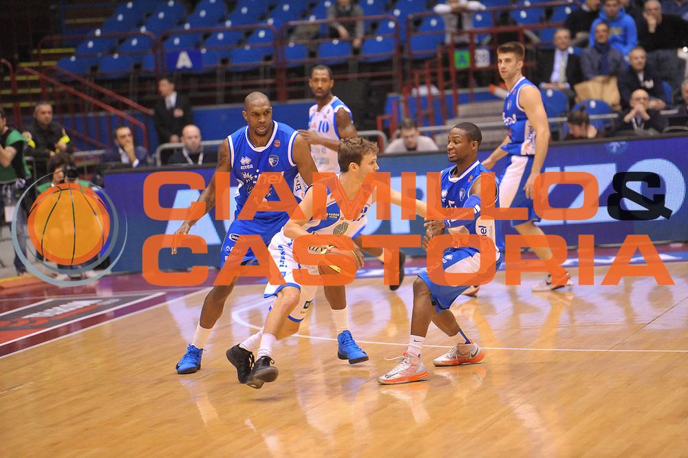 DESCRIZIONE : Milano Coppa Italia Final Eight 2013 Quarti di Finale Banco di Sardegna Sassari Enel Brindisi<br /> GIOCATORE : Diener Travis<br /> CATEGORIA : Tecnica<br /> SQUADRA :  Banco di Sardegna Sassari<br /> EVENTO : Beko Coppa Italia Final Eight 2013<br /> GARA : Banco di Sardegna Sassari Enel Brindisi<br /> DATA : 08/02/2013<br /> SPORT : Pallacanestro<br /> AUTORE : Agenzia Ciamillo-Castoria/V.Tasco<br /> Galleria : Lega Basket Final Eight Coppa Italia 2013<br /> Fotonotizia : Milano Coppa Italia Final Eight 2013 Quarti di Finale Banco di Sardegna Sassari Enel Brindisi<br /> Predefinita :