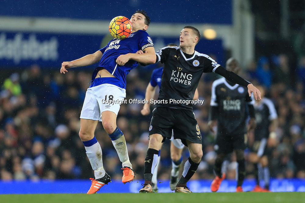 19th December 2015 - Barclays Premier League - Everton v Leicester City - Gareth Barry of Everton battles with Jamie Vardy of Leicester - Photo: Simon Stacpoole / Offside.