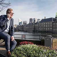 Nederland, Den Haag, 22 november 2017.<br /> Cees-Jan Adema, Directeur van de Nederlandse Bierbrouwers.<br /> <br /> Nederlandse Brouwers, tot 2010 bekend onder de naam Centraal Brouwerij Kantoor, is de brancheorganisatie van grote Nederlandse brouwerijen. Nederlandse Brouwers vertegenwoordigt tien brouwerijen die tezamen goed zijn voor 95 procent van de Nederlandse bierproductie. De organisatie behartigt de belangen van deze ondernemers door ontwikkelingen op de markt kritisch te volgen en te onderhandelen met de betrokken overheden. In samenwerking met andere organisaties zet Nederlandse Brouwers zich in voor goede voorlichting, verantwoorde bierconsumptie, duurzaamheid en ketenbeheer en het economisch belang van de sector. (Bron: Wikipedia)<br /> <br /> Foto: Jean-Pierre Jans