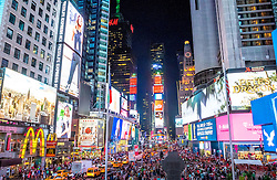 THEMENBILD - Der Times Square in New York City liegt an der Kreuzung Broadway und Seventh Avenue und ist nach dem von der Zeitung New York Times benutzten Gebäude T.S.1 benannt, im Bild die Kreuzung zwischen Broadway und Seventh Avenue, Aufgenommen am 08. August 2016 // The Times Square in New York City is located at the junction of Broadway and Seventh Avenue. It is named after the building T.S.1 which is the home of the newspaper New York Times, This picture shows the junction between Broadway und Seventh Avenue, United States on 2016/08/08. EXPA Pictures © 2016, PhotoCredit: EXPA/ Sebastian Pucher