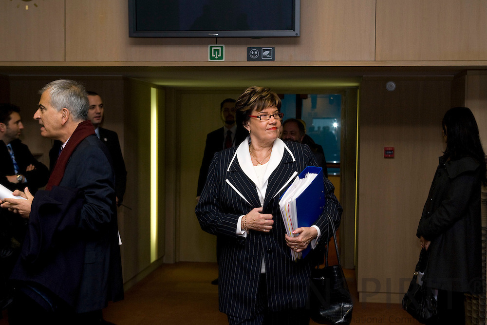 BRUSSELS - BELGIUM - 27 NOVEMBER 2007 -- Sirkka-Liisa ANTTILA, Finnish Minister of Agriculture, arrives at the meeting room for Agriculture and Fisheries council meeting.  Photo: Erik Luntang