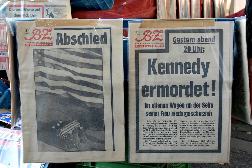 BZ vom 26. November 1963 zum Tod von John F. Kennedy zum Verkauf auf einem Flohmarkt in Koeln   |  Berlin  News paper BZ on November 26 1963 about the assassination of John F Kennedy  |