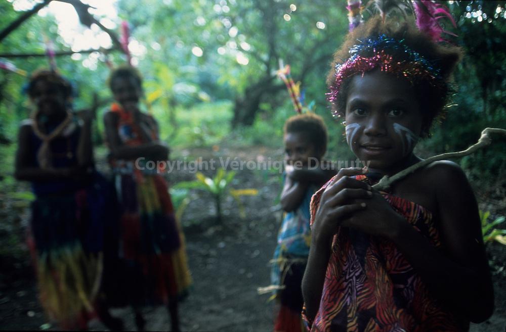 When the Custom is the rule : traditional life in the kastom villages of Tanna island, Far in the Pacific islands 5 Vanuatu ) // Quand la coutume est de ègle : vie traditionnelle mais guirlandes de Noel contemporaines dans un kastom village de l'ile de Tanna, au Vanuatu