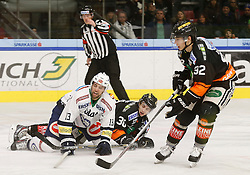 06.12.2015, Eisstadion Liebenau, Graz, AUT, EBEL, Moser Medical Graz 99ers vs EC VSV, 28. Runde, im Bild von links Ziga Pance (EC VSV), Rupert Strohmeier (Moser Medical Graz 99ers) und Clemens Unterweger (Moser Medical Graz 99ers) // during the Erste Bank Icehockey League 28th Round match between Moser Medical Graz 99ers and EC VSV at the Ice Stadium Liebenau, Graz, Austria on 2015/12/06, EXPA Pictures © 2015, PhotoCredit: EXPA/ Erwin Scheriau