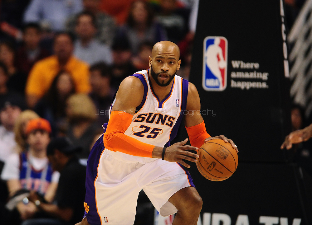 Jan. 7 2011; Phoenix, AZ, USA; Phoenix Suns guard Vince Carter (25) handles the ball on the court against the New York Knicks at the US Airways Center. The Knicks defeated the Suns 121-96. Mandatory Credit: Jennifer Stewart-US PRESSWIRE.