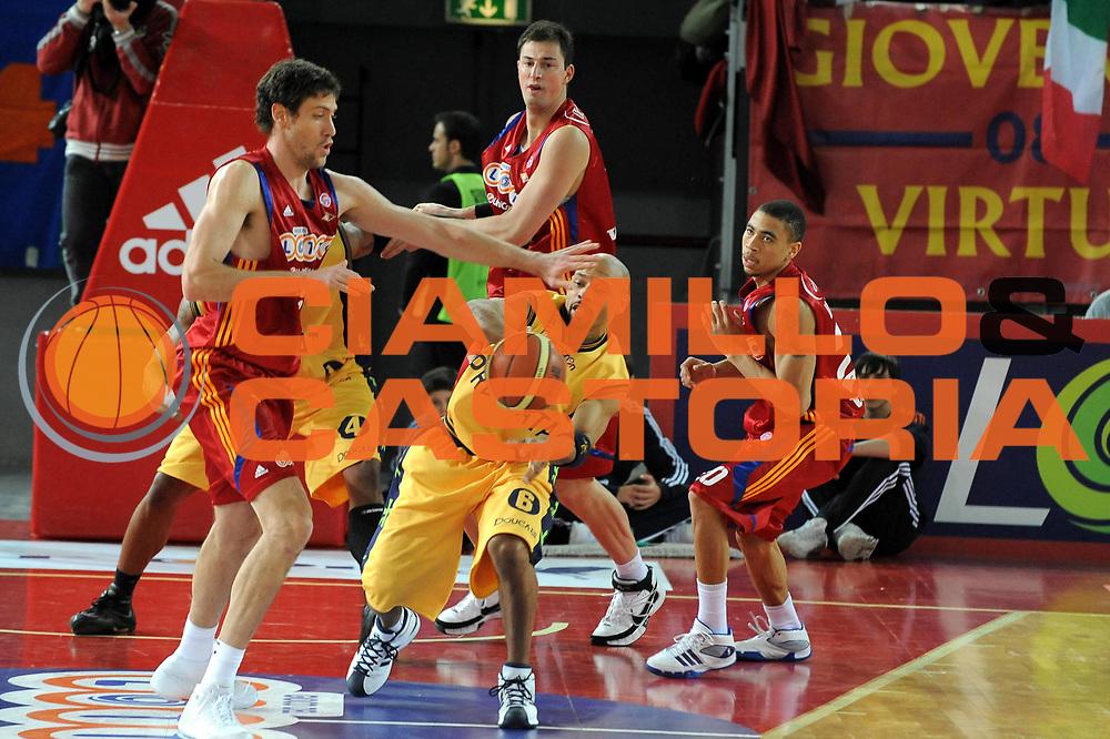 DESCRIZIONE : Roma Lega A1 2008-09 Lottomatica Virtus Roma Premiata Montegranaro<br /> GIOCATORE : Kiwane Garris<br /> SQUADRA : Premiata Montegranaro<br /> EVENTO : Campionato Lega A1 2008-2009 <br /> GARA : Lottomatica Virtus Roma Premiata Montegranaro<br /> DATA : 28/12/2008<br /> CATEGORIA : Passaggio<br /> SPORT : Pallacanestro <br /> AUTORE : Agenzia Ciamillo-Castoria/G.Ciamillo