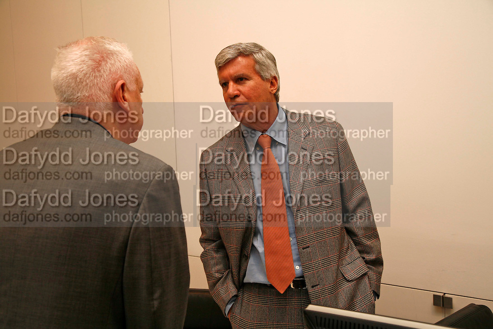 MICHAEL CRAIG-MARTIN AND LARRY GAGOSIAN, New work by Cecily Brown. Gagosian. Brittania St. London. 31 March 2006. ONE TIME USE ONLY - DO NOT ARCHIVE  © Copyright Photograph by Dafydd Jones 66 Stockwell Park Rd. London SW9 0DA Tel 020 7733 0108 www.dafjones.com