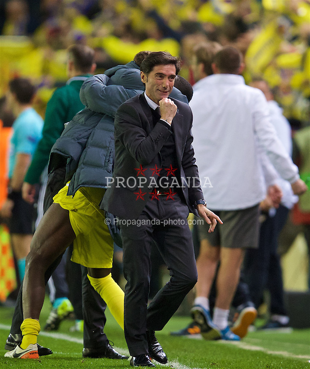 VILLRREAL, SPAIN - Thursday, April 28, 2016: Villarreal CF's head coach Marcelino celebrates his side's winning goal in injury time against Liverpool during the UEFA Europa League Semi-Final 1st Leg match at Estadio El Madrigal. (Pic by David Rawcliffe/Propaganda)