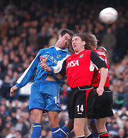 Fotball<br /> FA Cup England 2004/2005<br /> 3. runde<br /> 08.01.2005<br /> Foto: SBI/Digitalsport<br /> NORWAY ONLY<br /> <br /> Cardiff City v Blackburn Rovers<br /> <br /> Alan Lee outjumps the Blackburn defence to score the equaliser fo Cardiff.