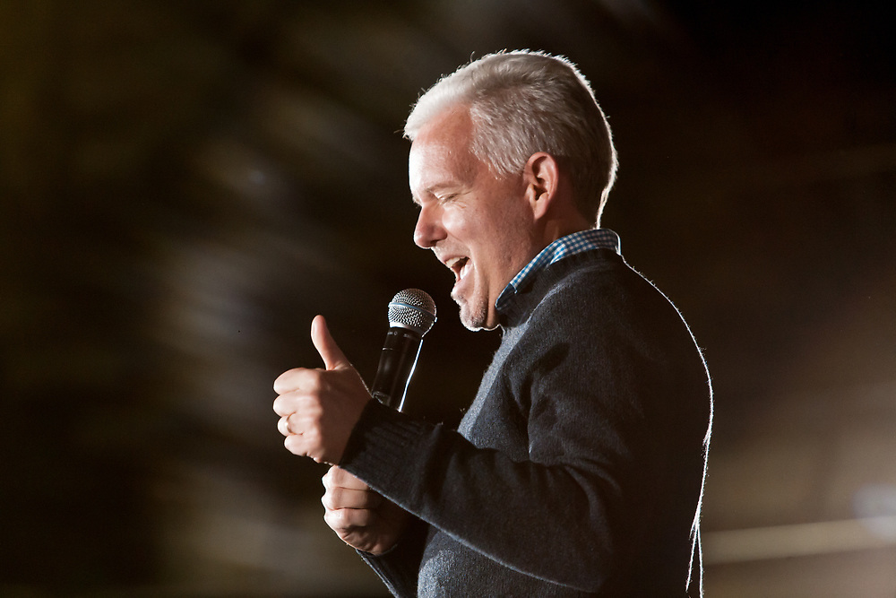 Long Island City, NY – 8 March 2019. Massachusetts Senator and Democratic Presidential candidate Elizabeth Warren drew an enthusiastic crowd at an organizing rally for her 2020 presidential campaign in Long Island City. New York City Council member Jimmy van Bremer speaks.