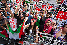 2014-07-22 Palestinians protest Israeli ground offensive