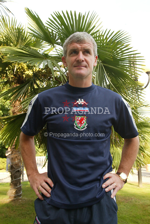MILAN, ITALY - Friday, September 5, 2003: Wales' manager Mark Hughes at the Royal Garden Hotel ahead of their Group 9 Euro 2004 qualifier against Italy. (Pic by David Rawcliffe/Propaganda)