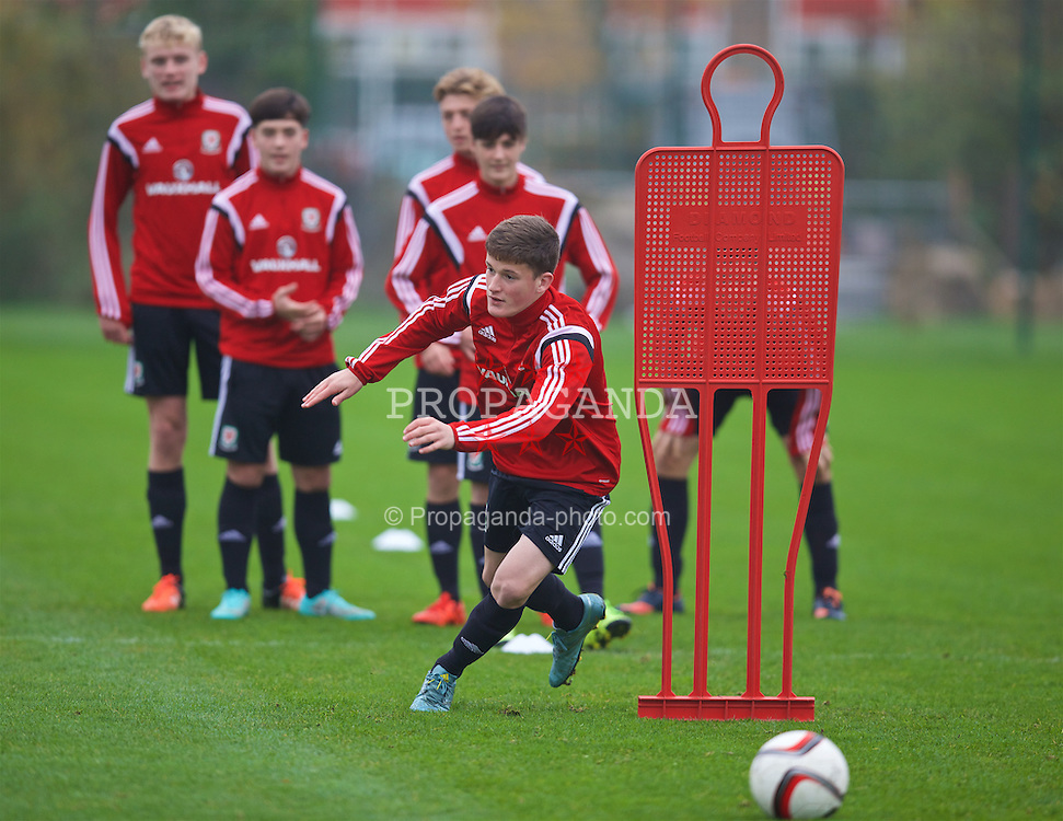 NEWPORT, WALES - Monday, November 2, 2015: Wales' Jack Vale during a draining session ahead of the Under-16's Victory Shield International match at Dragon Park. (Pic by David Rawcliffe/Propaganda)