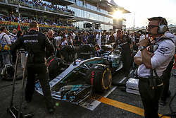 November 26, 2017 - Abu Dhabi, United Arab Emirates - Motorsports: FIA Formula One World Championship 2017, Grand Prix of Abu Dhabi, .mechanic of Mercedes AMG Petronas F1 Team  (Credit Image: © Hoch Zwei via ZUMA Wire)
