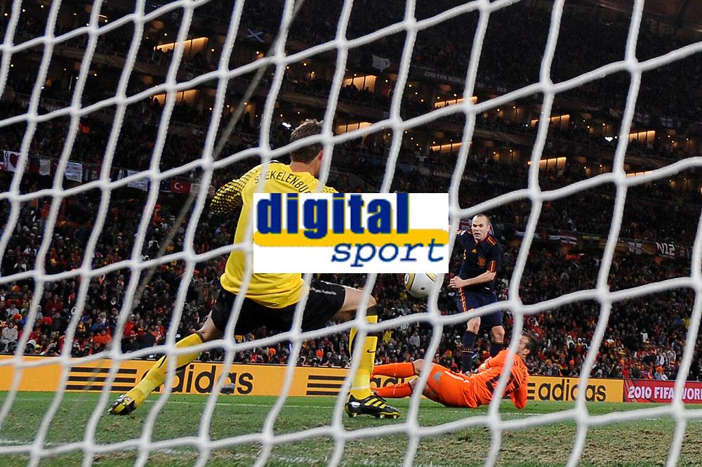 FOOTBALL - FIFA WORLD CUP 2010 - FINAL - SPAIN vs NETHERLANDS - JOHANNESBURG 11/07/2010 - GOAL ANDRES INESTA (ESP)<br /> PHOTO FRANCK FAUGERE / DPPI