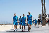 TEL AVIV, Jong Oranje, Europees Kampioenschap EK 2013 Israel voor Jongeren onder 21, 06-06-2013, Boulevard Tel Aviv, wandeling Jong Oranje, Stefan de Vrij (L), Adam Maher (M), Mike van der Hoorn (R).